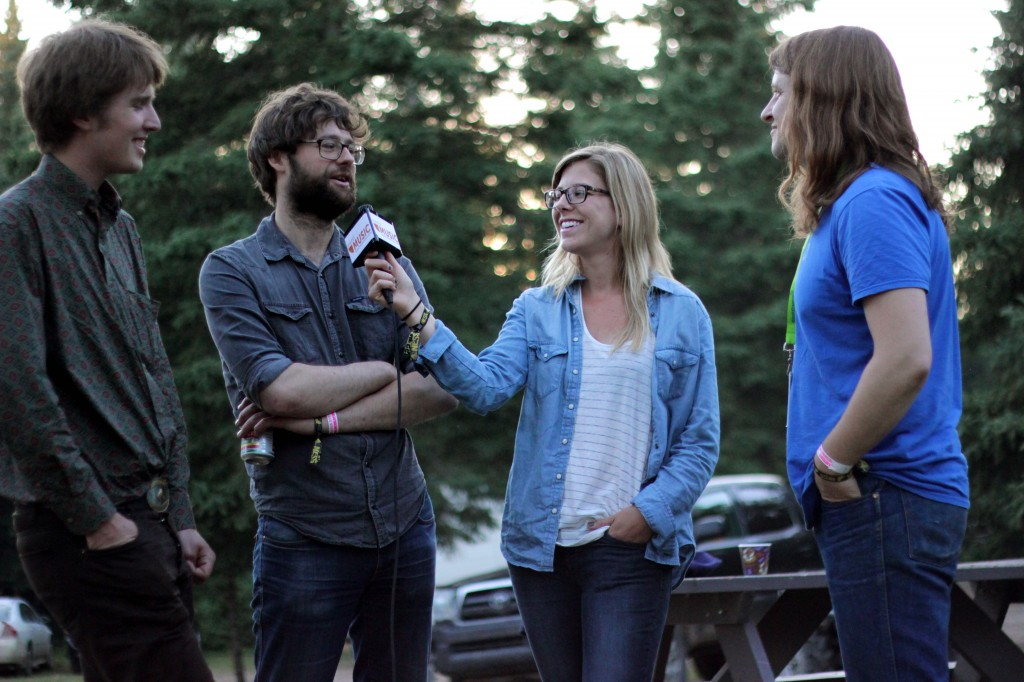 Shelby Lechman interviewing Deep Dark Woods (Photo by Daryl Uhrin)